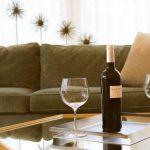 Stakleni stol je idealno rješenje za mnoge domove